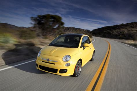 Safety Rating Fiat 500 by 2012 Fiat 500 Gets Top Safety Rating By Iihs Motorweek