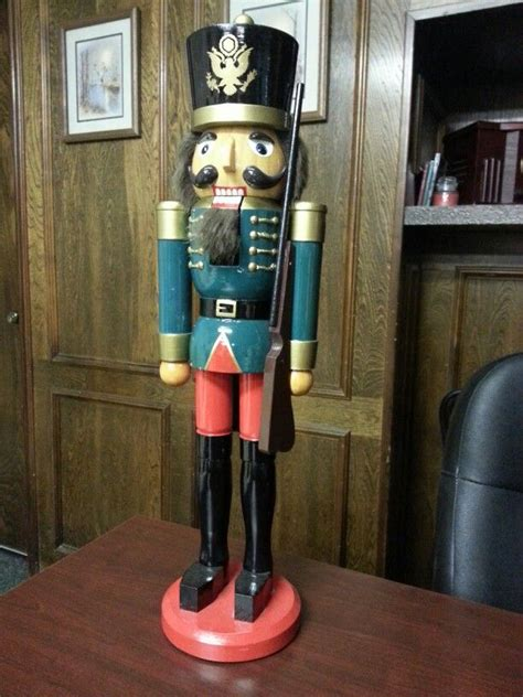 rifleman nutcracker nutcracker  cousin