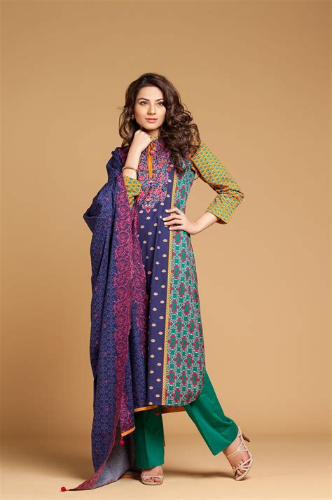 Kayseria New Fall Winter Embroidered Collection for women