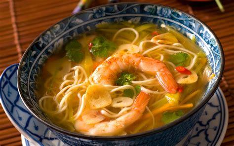 recette cuisine thailandaise soupe de crevettes et nouilles chinoises recette de
