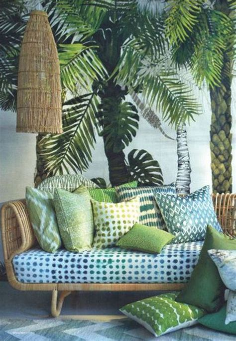 recouvrir un canapé en tissu best 25 tropical decor ideas on mediterranean