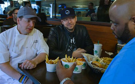 preview on wahlburgers donnie offers paul feedback and