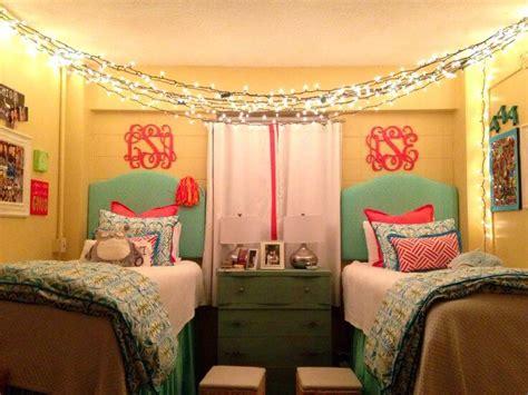 Borderline Genius Ways To Make Your Dorm Room Calm Af
