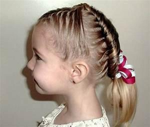 Coiffure Enfant Tresse : les coiffures pour enfants tendance en 57 photos ~ Melissatoandfro.com Idées de Décoration