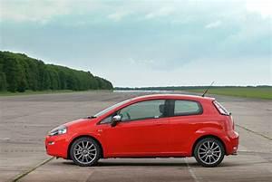 Fiat Punto 4 : fiat punto 5 doors specs 2012 2013 2014 2015 2016 2017 2018 autoevolution ~ Medecine-chirurgie-esthetiques.com Avis de Voitures