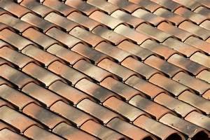 Tuile Pour Toiture : toiture en tuile prix moyen au m2 par un couvreur ~ Premium-room.com Idées de Décoration