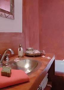 peinture a la chaux pour salon cuisine et salle de bain With enduit a la chaux salle de bain