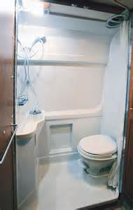 Small Rv With Bathroom by 25 Best Ideas About Rv Bathroom On Kitchen