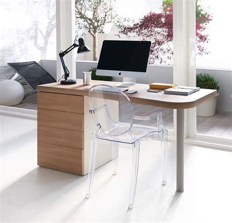 scrivania sagomata scrivania legno sagomata con cassettiera pw01 marzorati