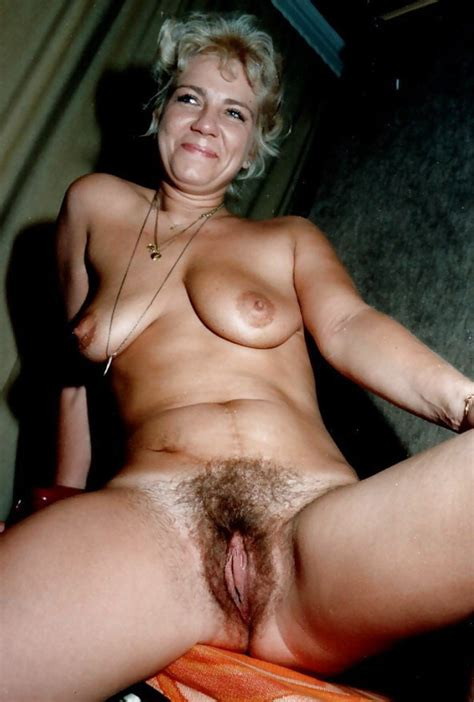 Hairy Housewife Spreading Amateur In Action