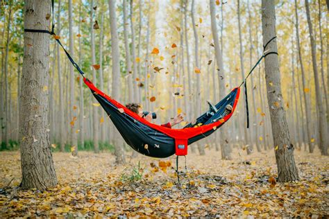 Hanging A Hammock From Trees by How To Hang Your Hammock The Hammock Expert