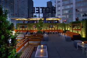 Roof Deck Bars Boston by Non Douchey Rooftop Bars For The Best Outdoor Drinking