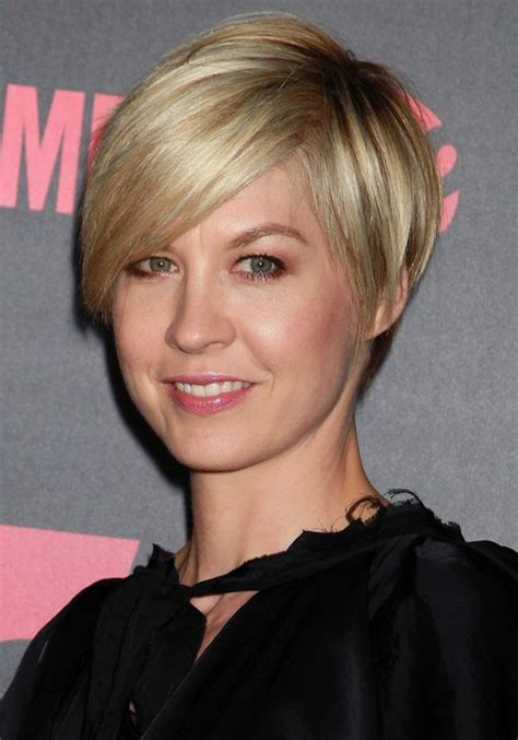 Jenna Elfman Layered Short Razor Cut with Side Swept Bangs