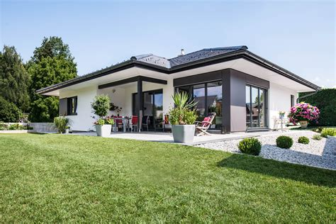 Garten Bungalow Kaufen by Moderne Bungalows Als Fertighaus Musterhauspark