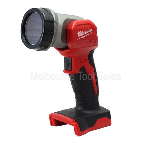 m18 cordless led work light milwaukee m18tled m18 led work light torch 18v milwaukee