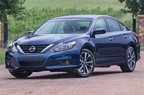 nissan altima   review motor trend