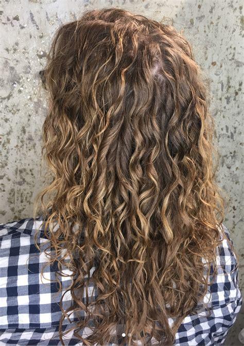 spiral perm  regular perm spiral perm hairstyles  tips