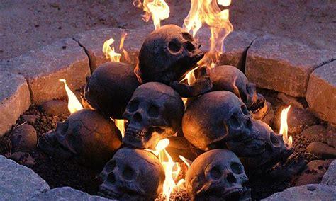 Backyard Skulls by Skull Logs Cool Material