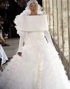 22 awesomely bad wedding dresses smosh for Bad wedding dresses