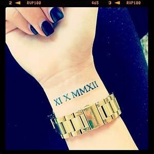 Römische Zahlen 2016 : die besten 25 tattoos mit r mischen zahlen ideen auf pinterest r mische ziffern geburtstag ~ Orissabook.com Haus und Dekorationen