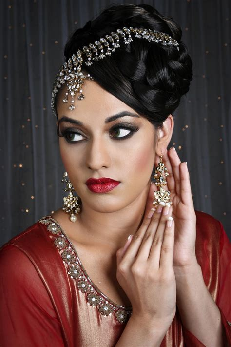 raveen contemporary hairstyle makeup