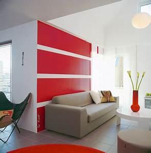 Photo Peinture Salon : peinture rouge vif et blanc dans salon contemporain ~ Melissatoandfro.com Idées de Décoration