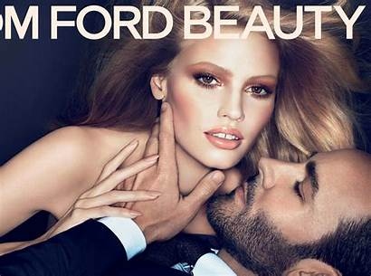 Makeup Tom Ford Huda Ad
