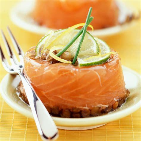 aspic cuisine aspic de saumon recette sur cuisine actuelle
