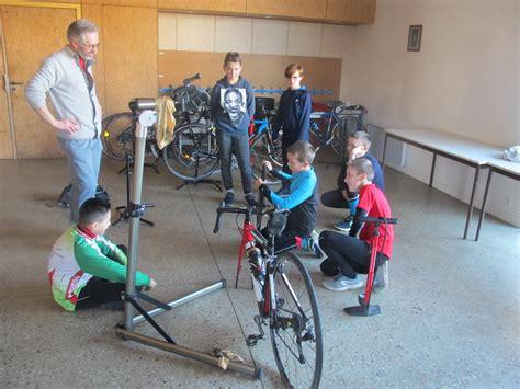 changer une chambre à air vtt générale les guidons de romillé le vélo loisirs