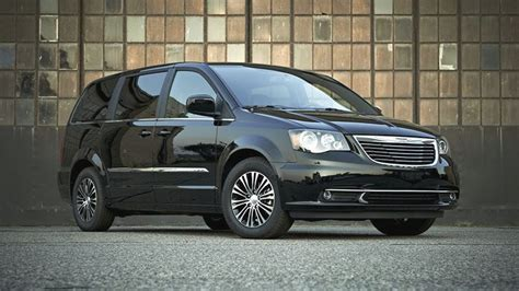 chrysler town  country models  sale
