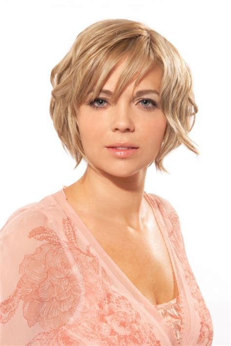 awesome round face short hairstyles 2012 girls short hair