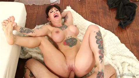 A Guy Dishes Out Pov Anal Sex For Tattooed Mature Slut Dollie Darko
