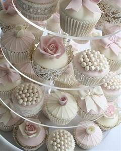Vintage style cupcakes for a wedding or bridal shower for Wedding shower cupcakes