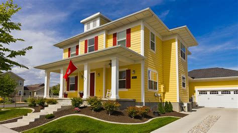 Home Design Yellow : Modern Yellow Foursquare House