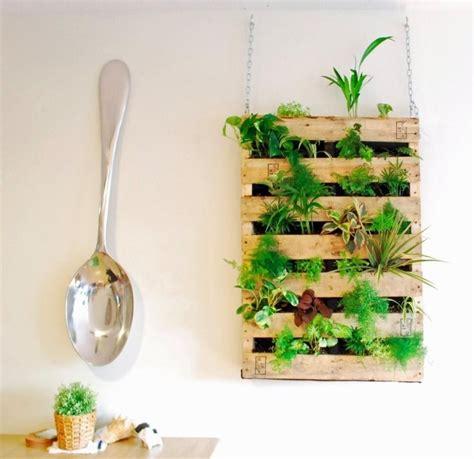 fauteuil de bureau bois mur végétal intérieur en 80 idées pour la maison écologique