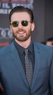 Chris Evans' Hairstyles Over the Years