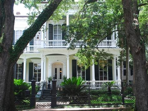 new orleans garden district homes for garden district real estate garden district homes for