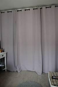Rideau De Placard : placard avec rideau solutions pour la d coration ~ Teatrodelosmanantiales.com Idées de Décoration