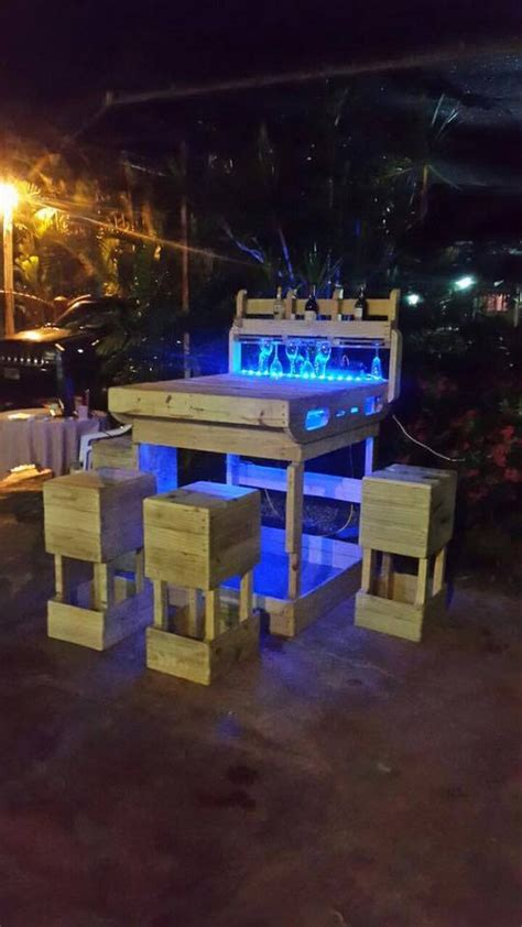 pallet outdoor wine bar  lights pallet wood projects