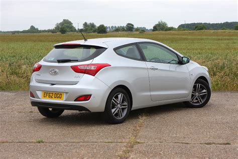 Hyundai Hatchback by Hyundai I30 Hatchback Review Parkers