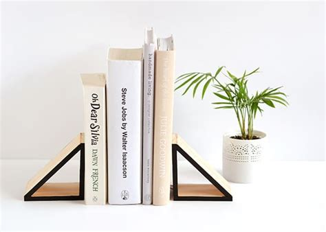 diy bookends    books  place
