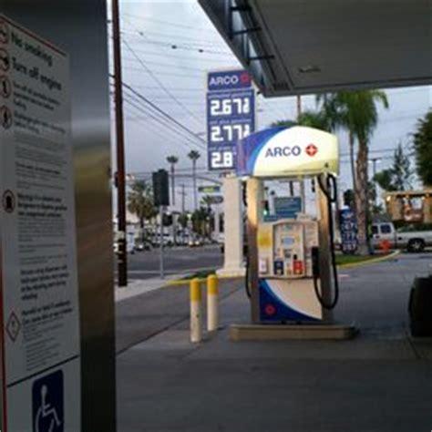 arco gas station gas stations   tustin st orange