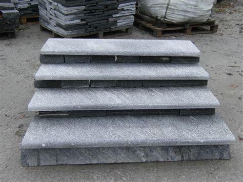 pietra per davanzali scale e gradini in pietra beola o serizzo per esterno ed