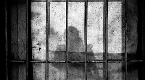 foto de Behind the Bars 7 Ways You Can Remember Those in Prison
