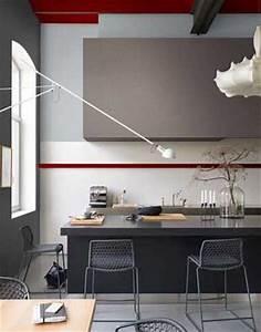 Peinture couleur cuisine gris anthracite et taupe Dulux Valentine