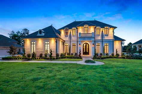 Traditional Luxury Style House Plan 6900: Baton Rouge