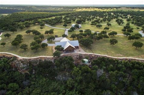 log cabin luxury  amazing  acre texas ranch