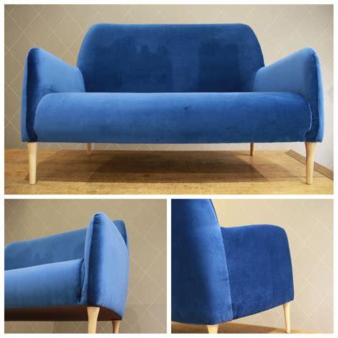 canap 233 design en velours bleu atelier md2