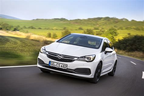 Opel Astra Opc 2020 by Opel Astra K Gains Opc Line Sport Pack Autoevolution