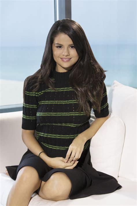 Selena Gomez - 'Hotel Transylvania 2' Portraits in Miami ...